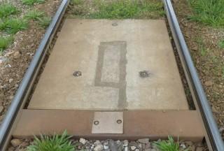 Obr. č.8: Umístění zalité přijímací cívky kolejové tramvajové – BSV-RC 07 do betonových panelů.