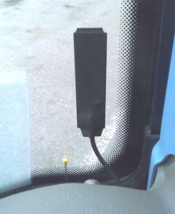 obr. č.3: Umístění antény AN2N za čelní sklo autobusu