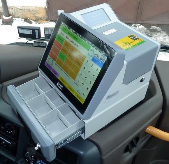 Obr. č. 2: Instalace palubního počítače s odbavením EPIS 5 FCC v autobusu
