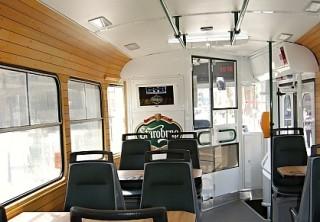 Obr. č.3: Interiér pivní tramvaje (převzato z Busportálu.cz ©Jan Havíř)
