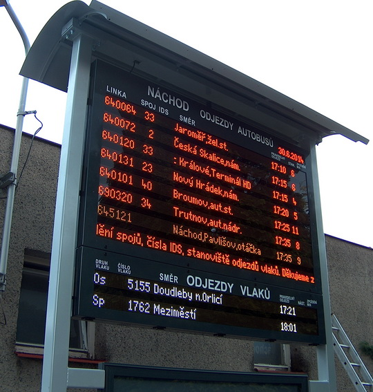 Kombinovaný textový vícebarevný informační odjezdový panel řady ELP 450