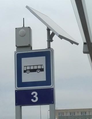 Рис. 1: Электропитание голосового маяка OAS 130 B-S для незрячих от солнечной панели.