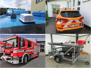 Pic. no.2: Vehicles equipped with OBU units – bus, passenger car of a roadway manager, fire brigade vehicle and a warning trailer of ŘSD.