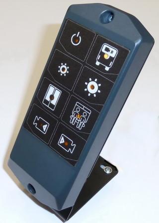 Ovládací klávesnice OV-01 (osmitlačítková) s potiskem pro kamerové systémy.